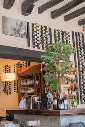 interior restaurante palosanto